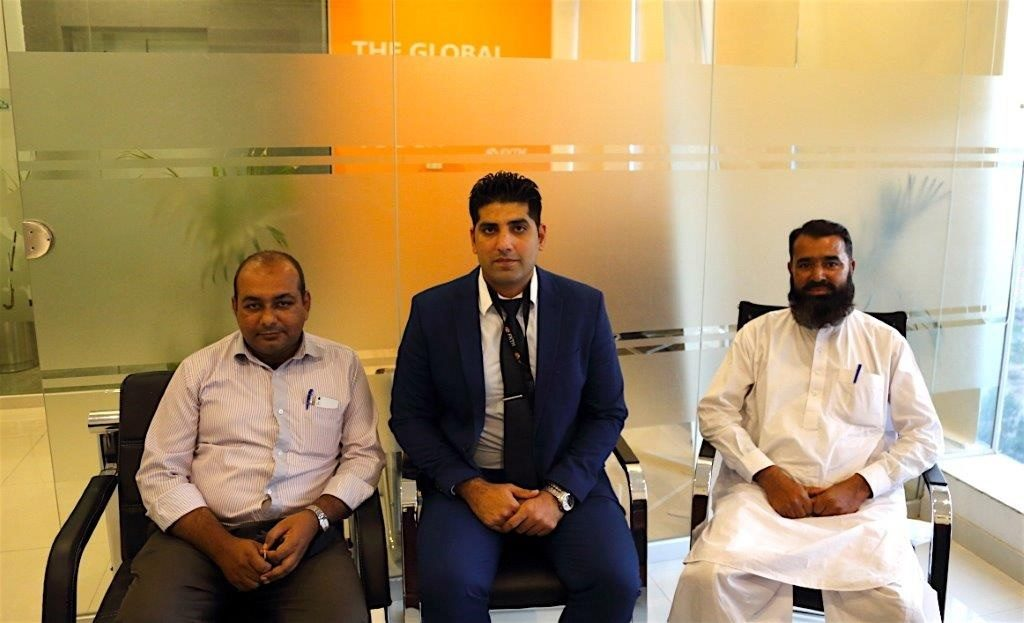 zia-al-hassan-with-fxtm-team-in-pakistan-2